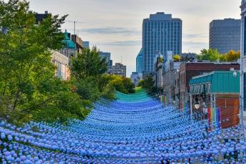 Le quartier gai de Montréal aux couleurs arc-en-ciel