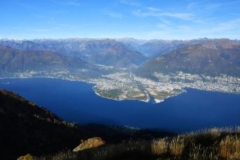 Ascona à gauche, Locarno à droite