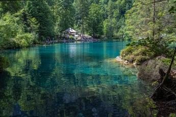 Les eaux cristallines du Blausee
