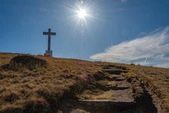 Chemin qui mène au sommet du Monte Lema
