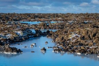 Le Blue Lagoon dans les champs de lave