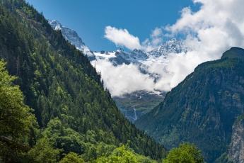 Dans la vallée des 72 cascades