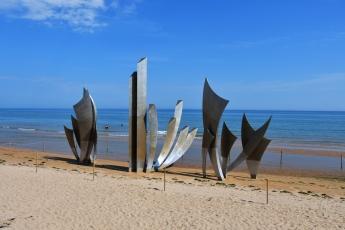 Une sculpture sur la plage d'Omaha Beach